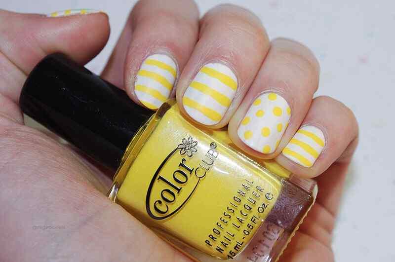 Uñas sencillas de verano blancas y amarillas