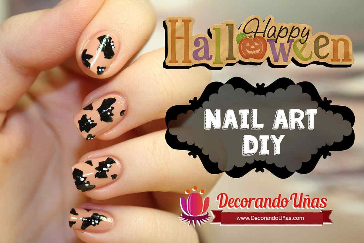 halloween-nail-art-bat