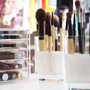 no limpiar pinceles de maquillaje