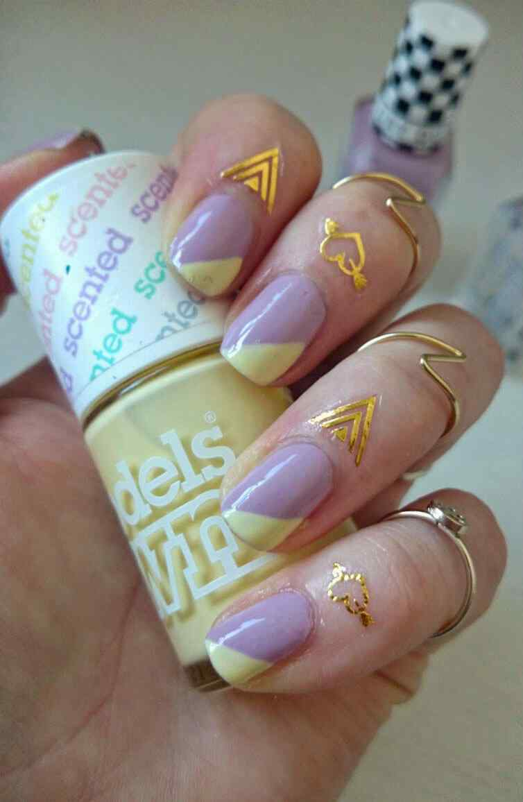 cuticle tattoo nail art (6)