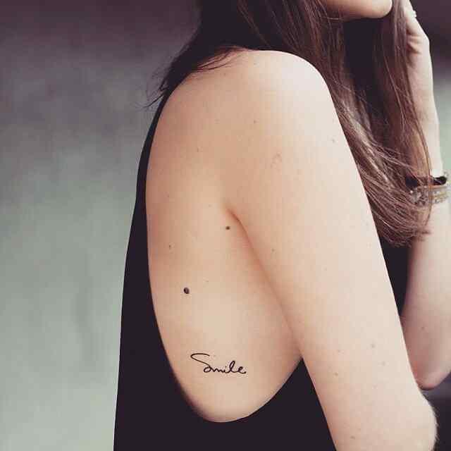 Tatuaje pequeño para el costado del cuerpo