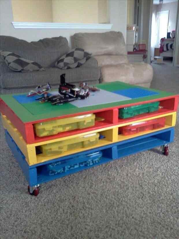 mesa infantil pallets