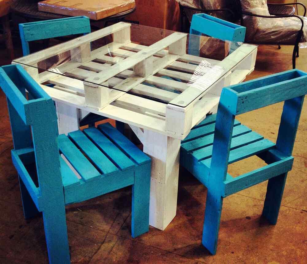 mesa-y-sillas-de-palet