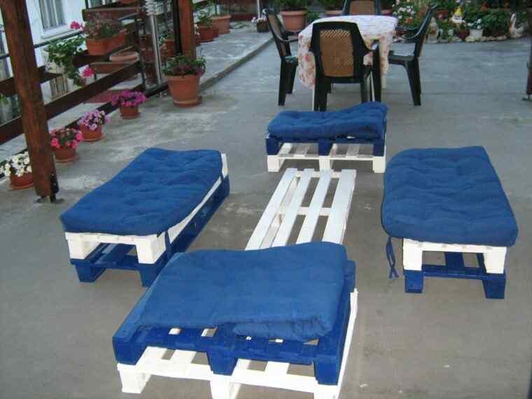 M s de 60 ejemplos de muebles hechos con palets for Muebles para tv con tarimas
