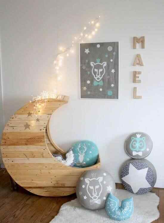 Mueble palet silla dormitorio infantil