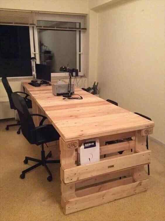 escritorio de palet para oficina