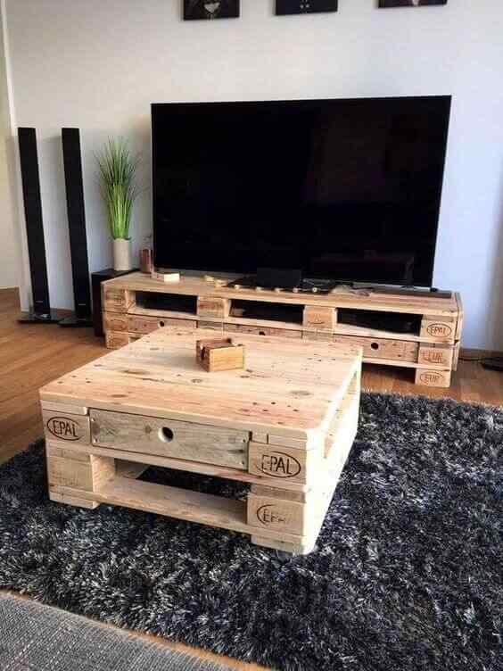 mesa para tv en palet