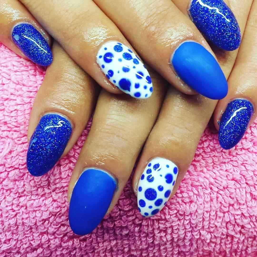 uñas azules faciles