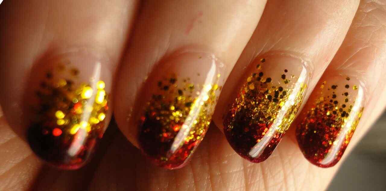unas decoradas rojo y dorado (4)
