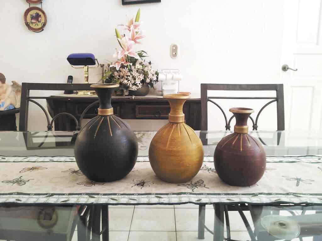 decorar casa con jarrones