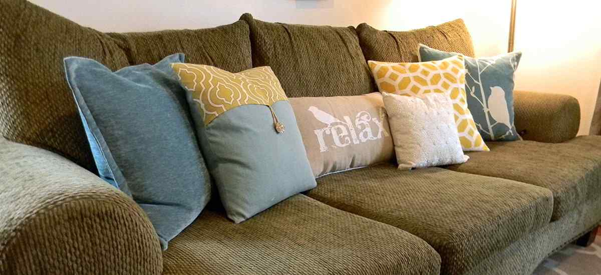 Decorar con almohadas