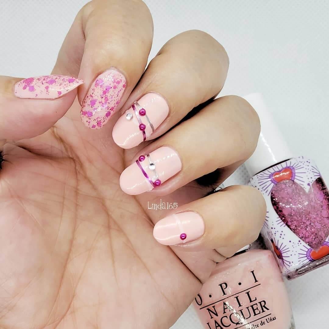 uñas brazaletes rosa