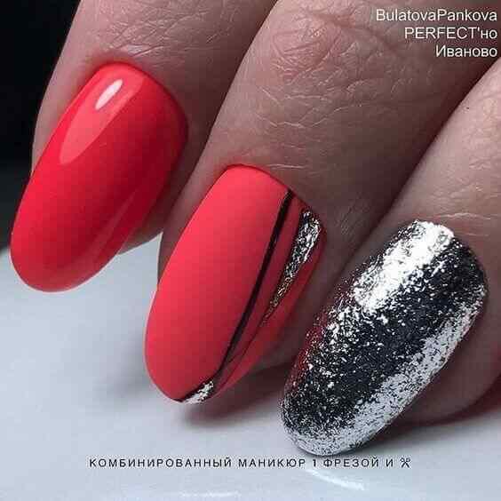 uñas elegantes plateadas con rojo