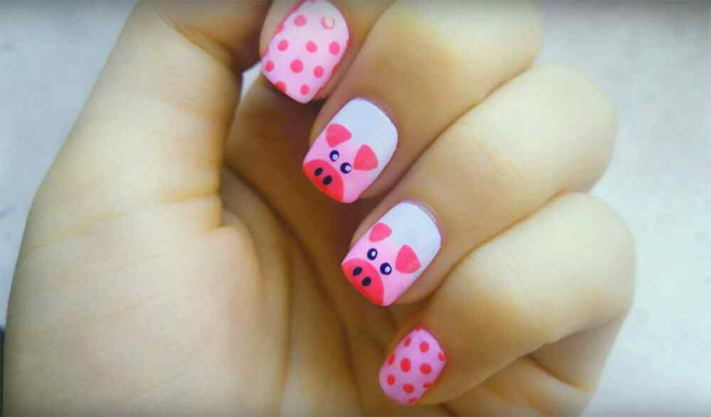 uñas decoradas con cerditos
