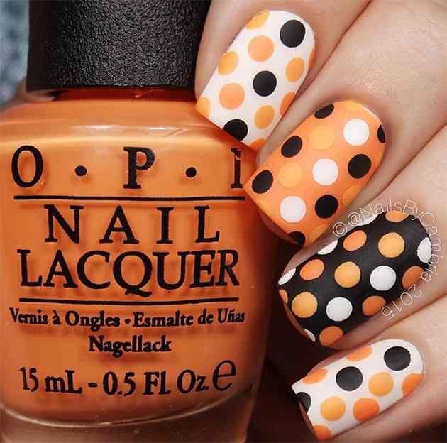 Halloween nail art design