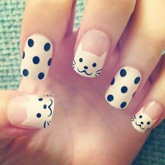 diseño de uñas con gatitos