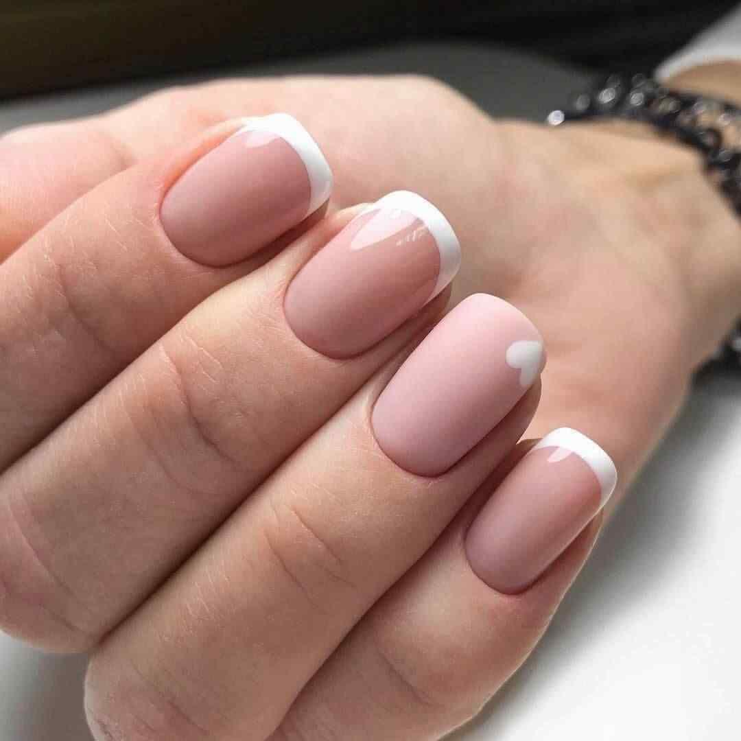 Diseño de francesa punta blanca