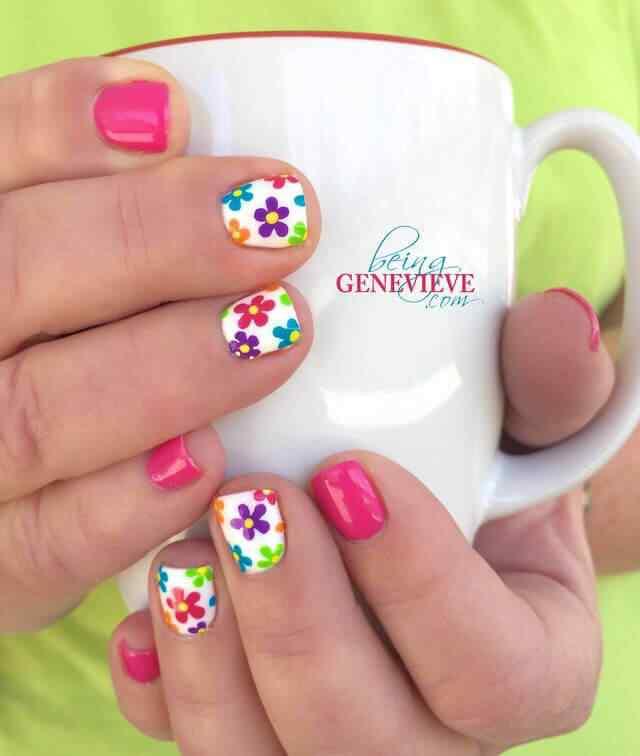 diseño facil de uñas con flores