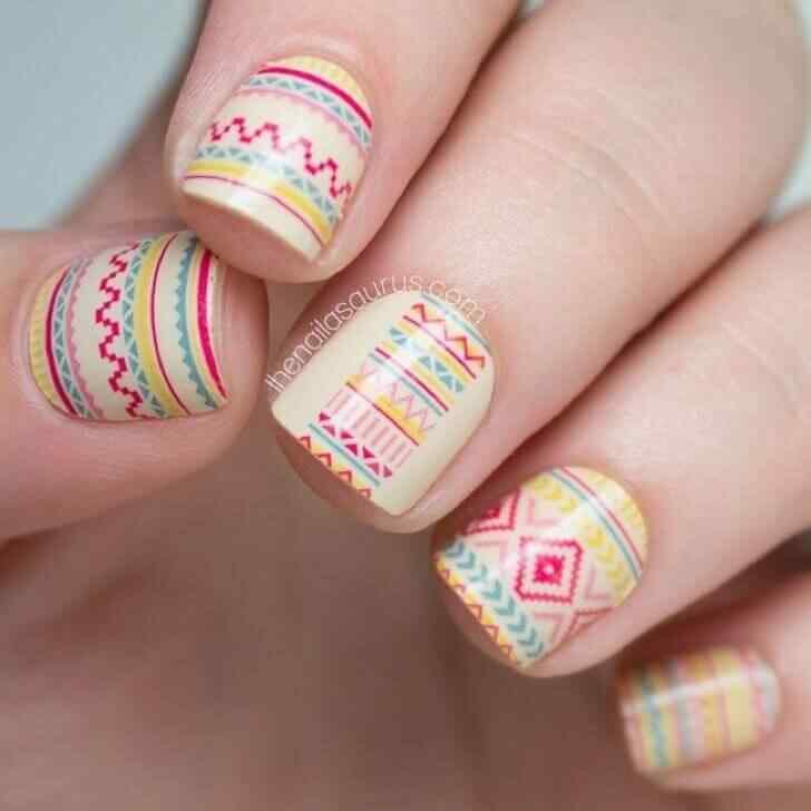 diseño geometrico uñas cortas decoradas