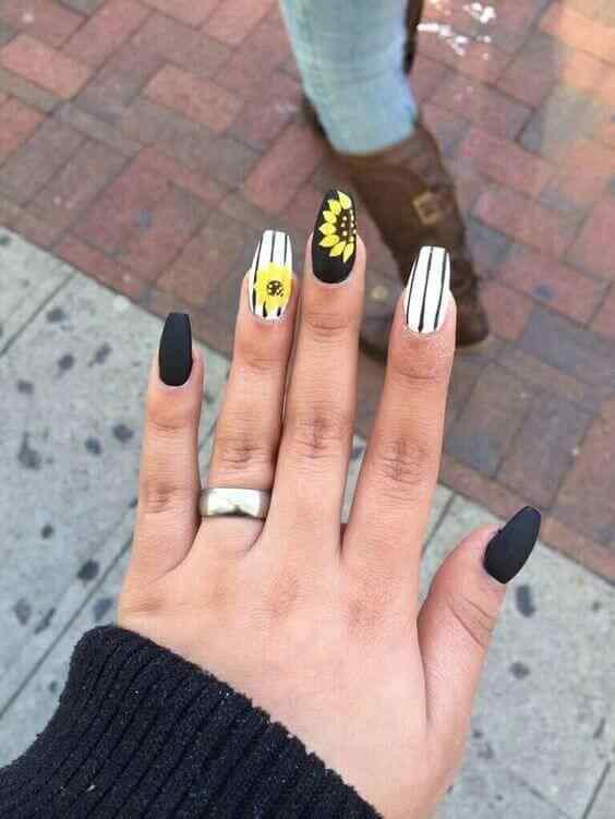 diseño para uñas largas con flores