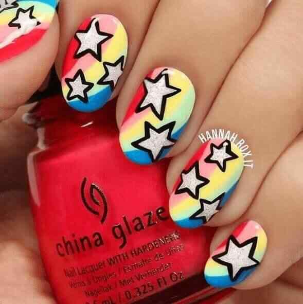 diseño de uñas con estrellas