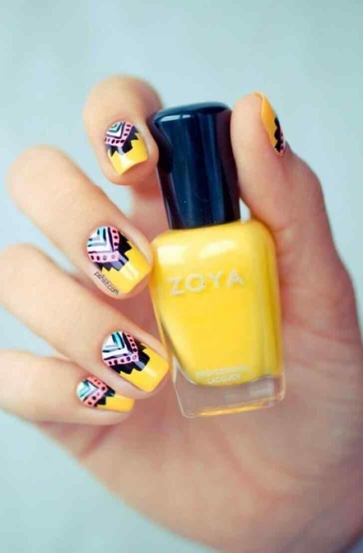 uñas cortas decoradas amarillo