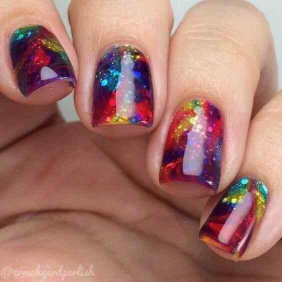 uñas decoradas efecto galaxia