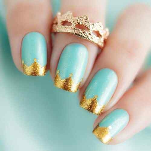 uñas francesas doradas