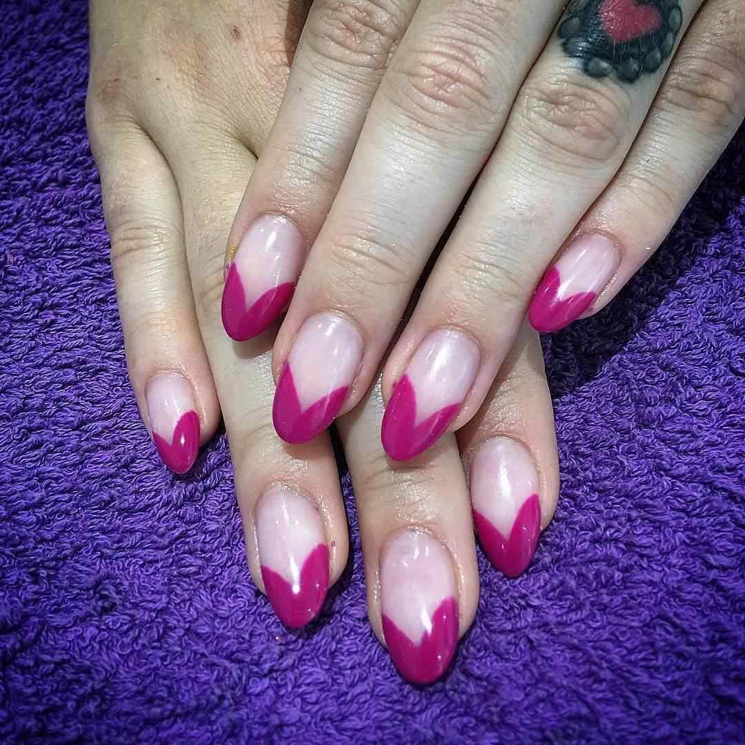 uñas francesas en punta color rosa