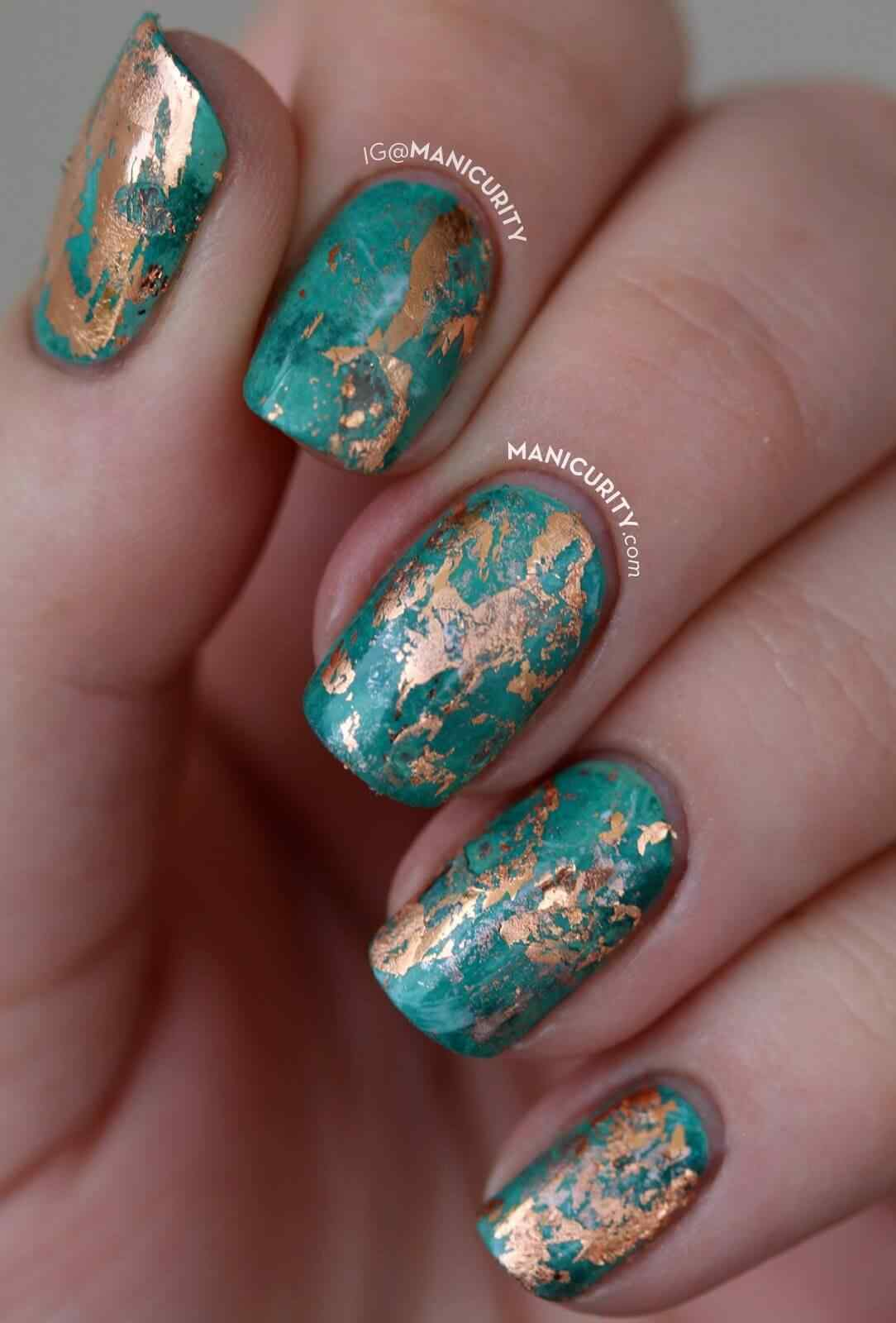 elegant green and gold nail decoration