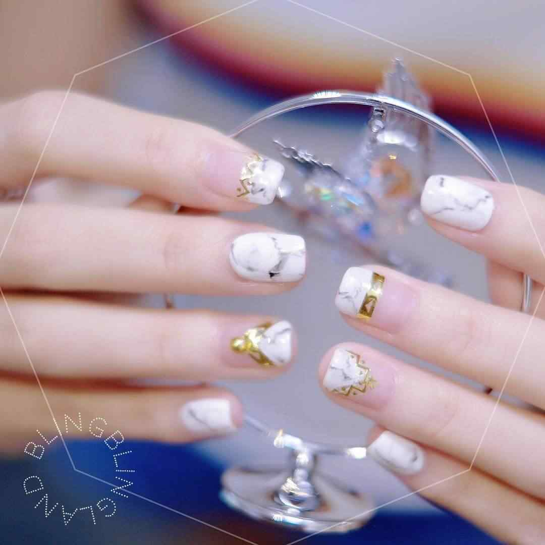 diseño de uñas para novias