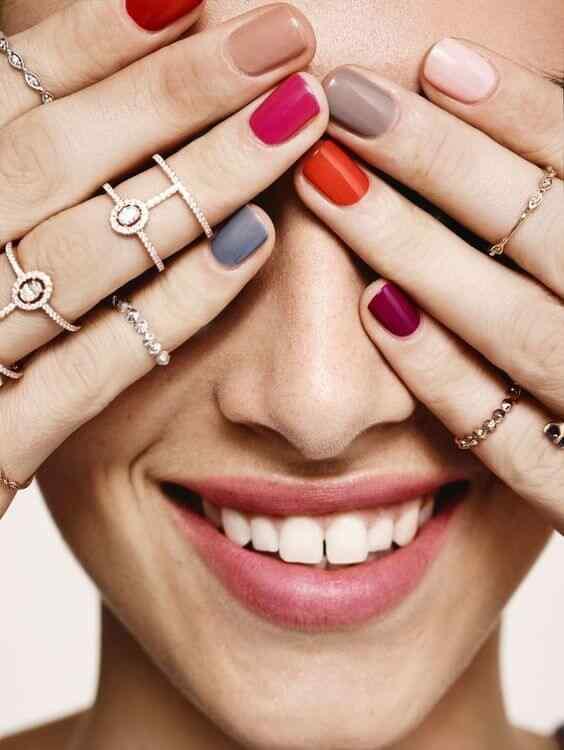uñas decoradas sencillas con colores