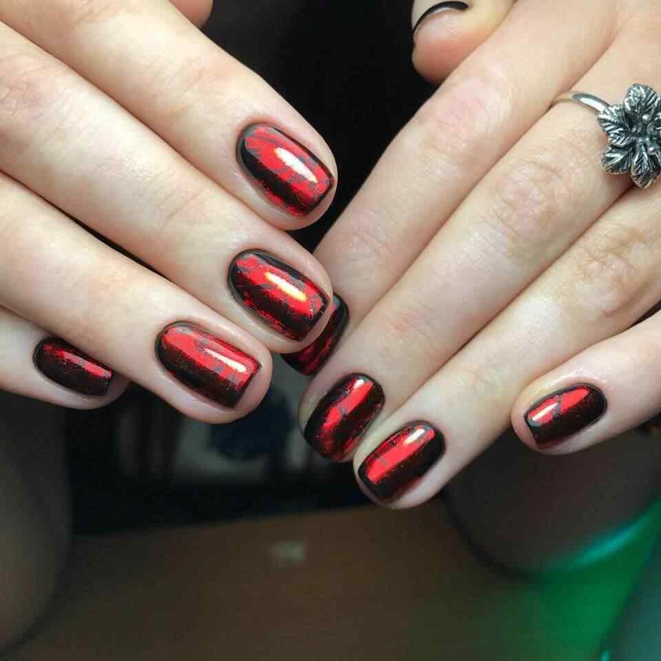 uñas elegantes rojas brillante