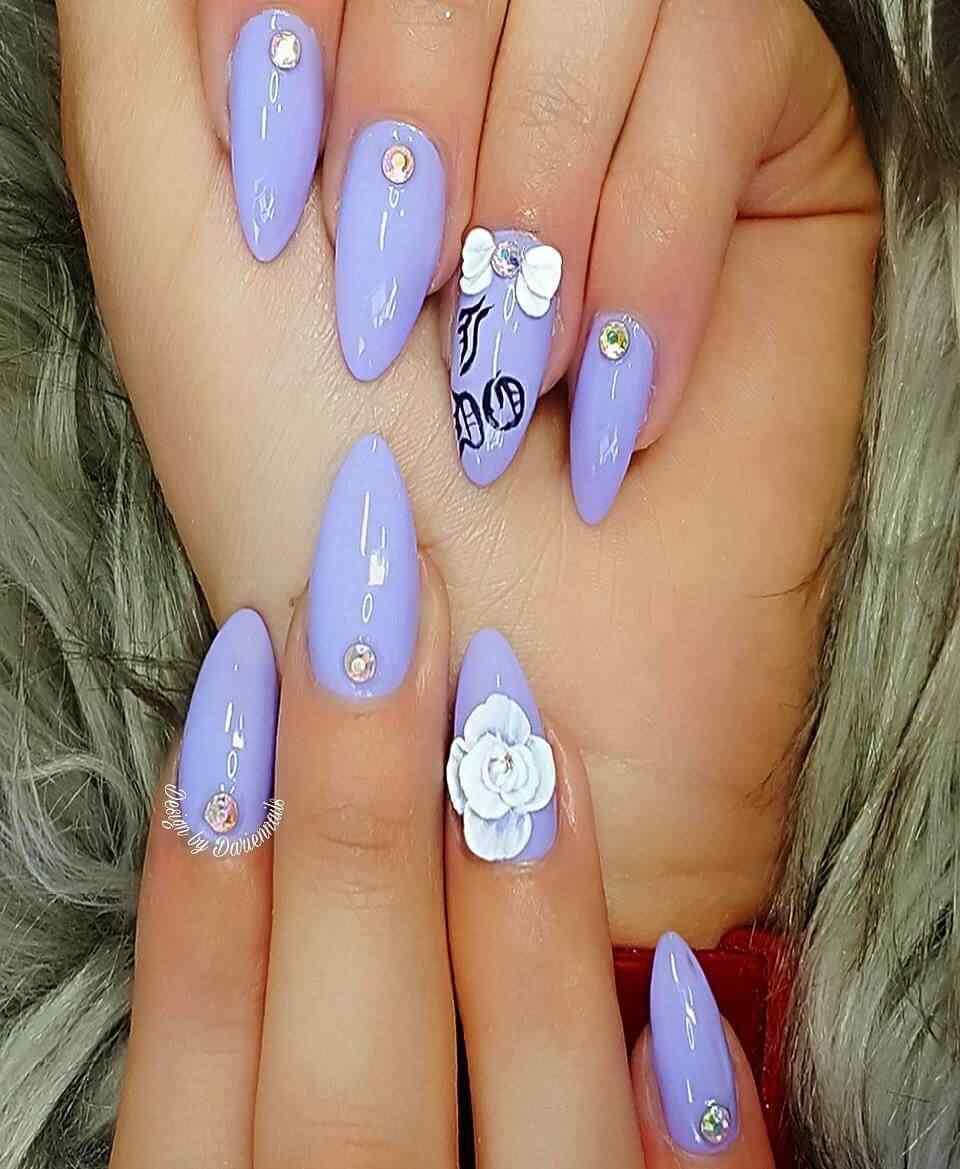 uñas purpura para novia