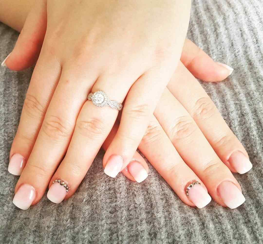 uñas simples para novia
