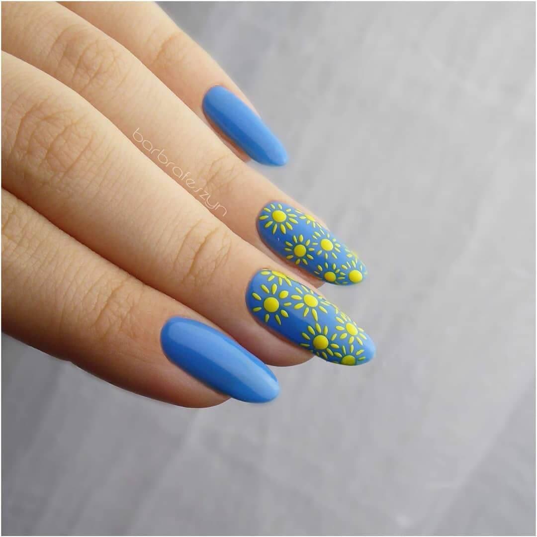 decoracion de uñas sencillas con sol