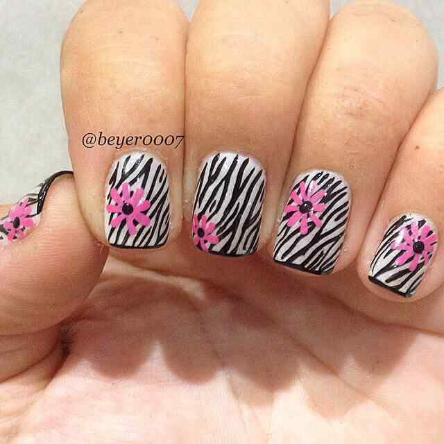 decoracion de uñas animal print