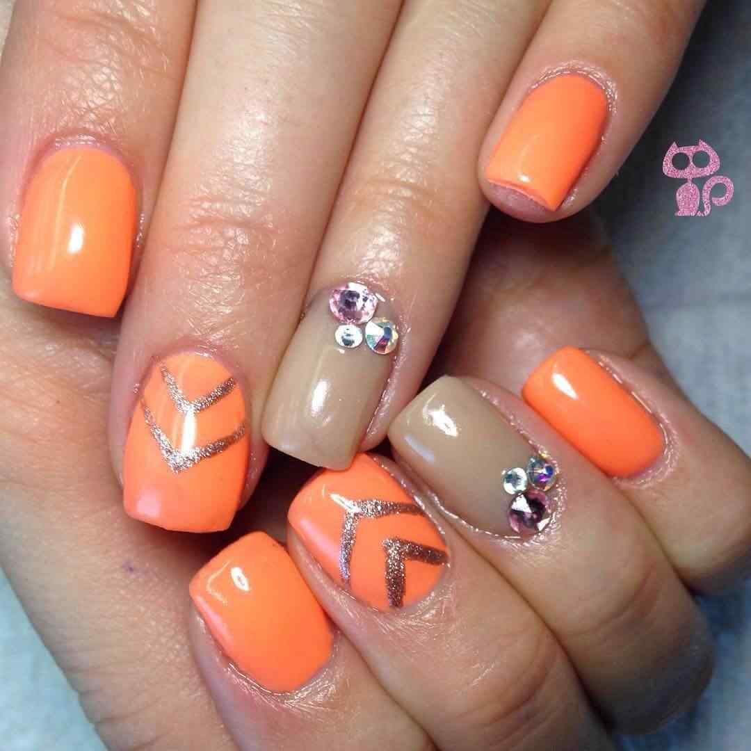 decoracion de uñas naranjas