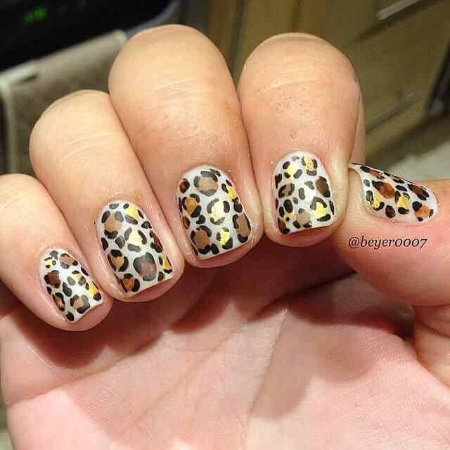 uñas efecto leopardo