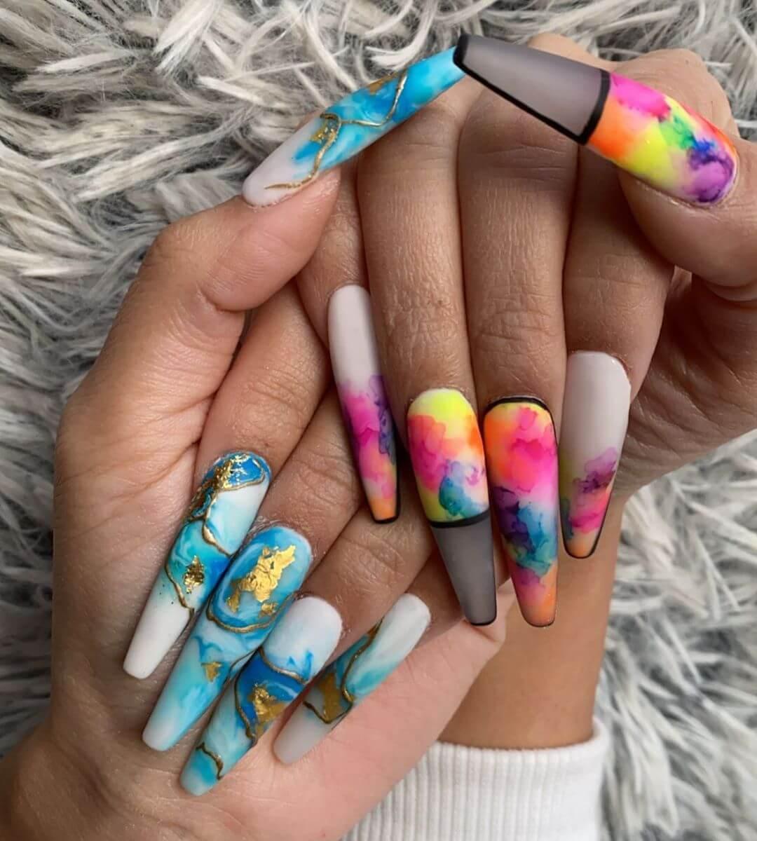 uñas coloridas para verano