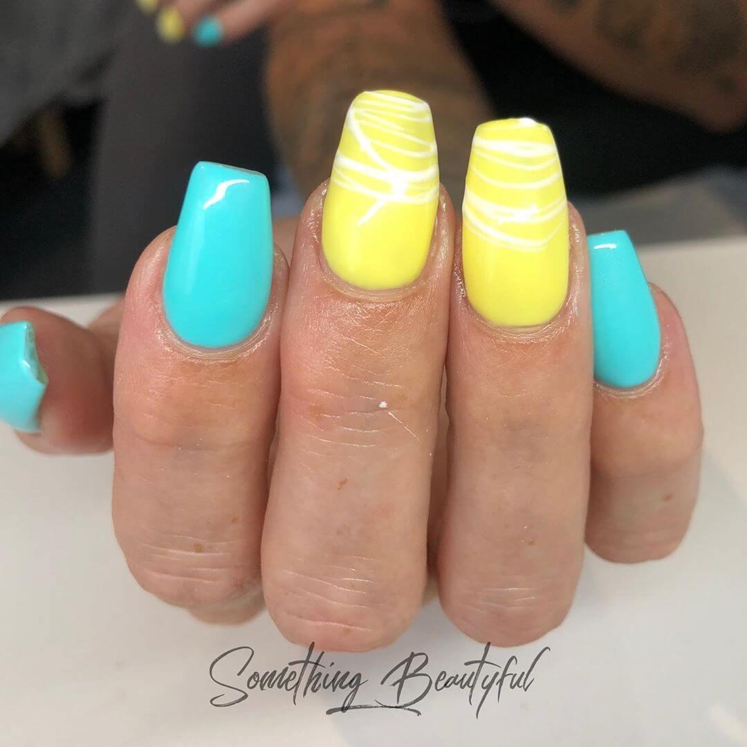 uñas con colores de verano