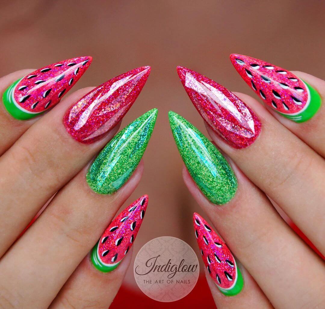 uñas de verano diseño de sandia