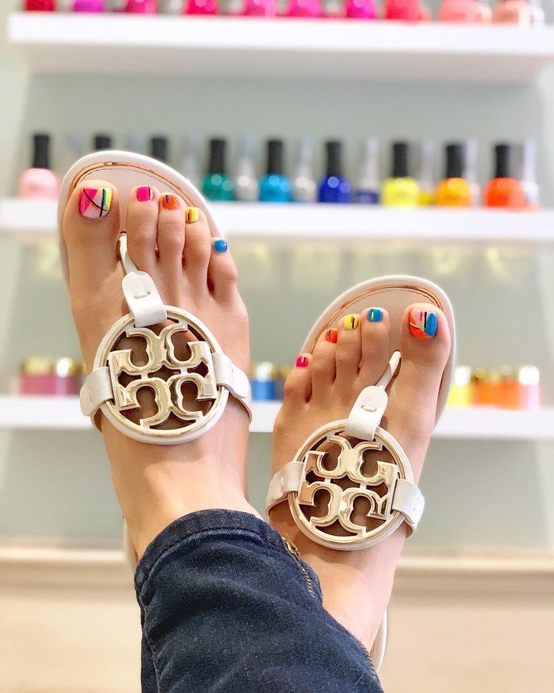 Uñas de verano para los pies