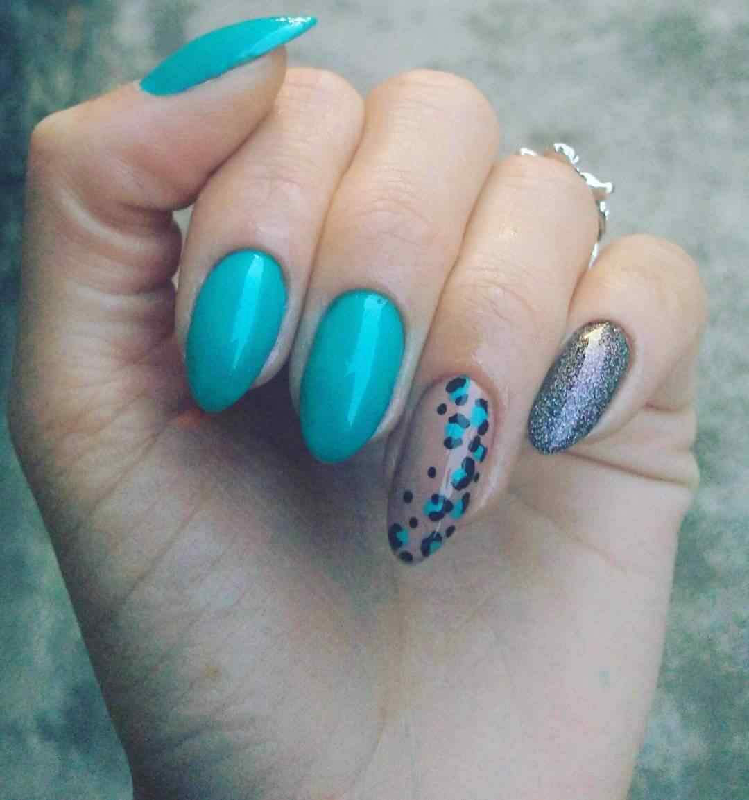 uñas animal print simple