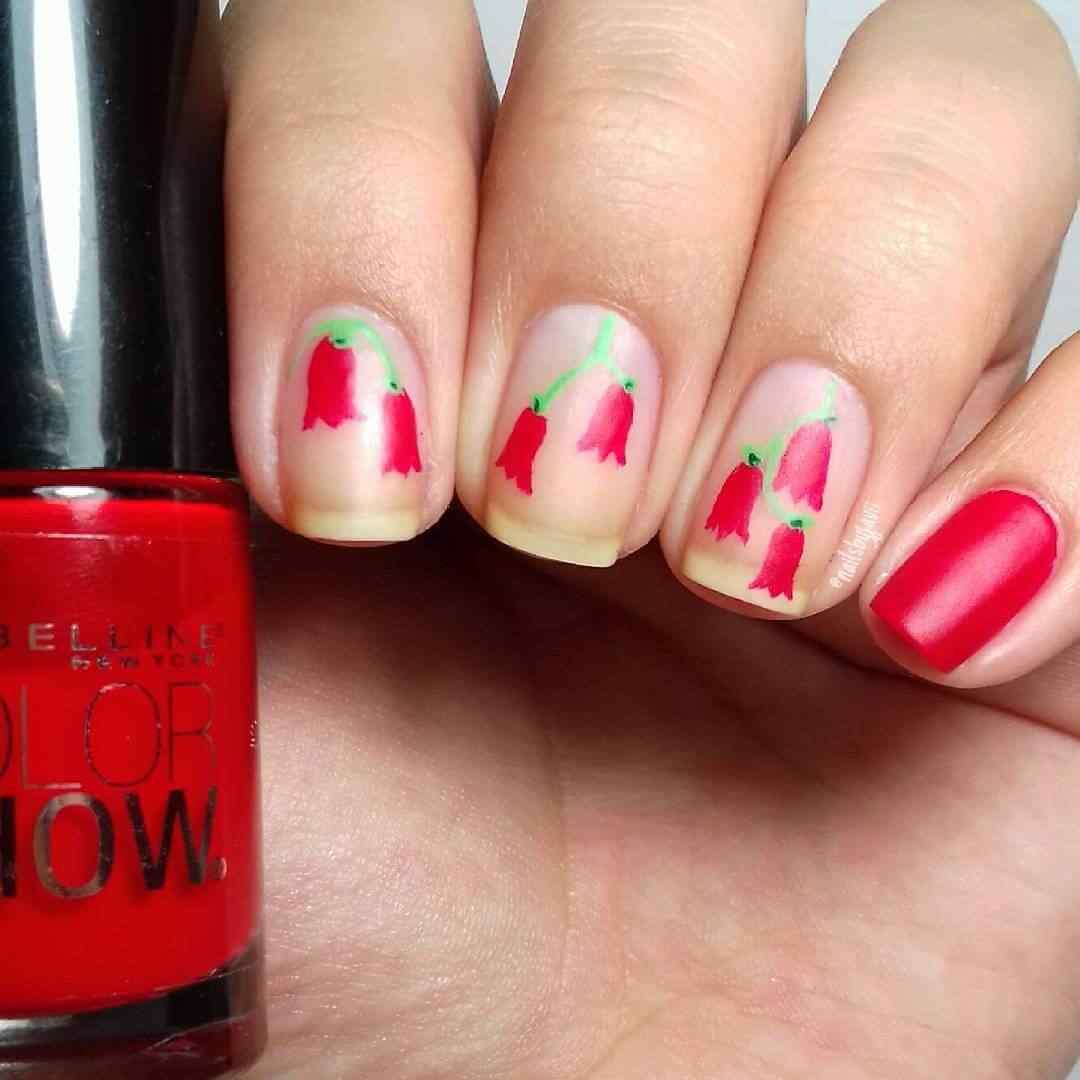 uñas primavera flores rojas