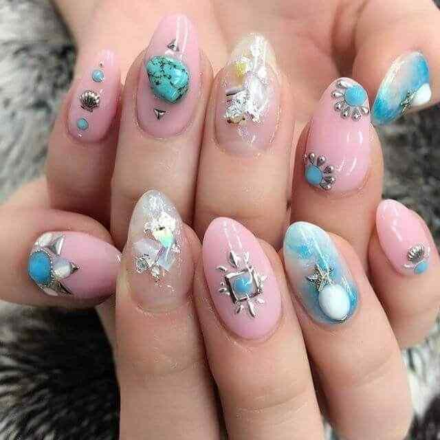 decoracion de uñas con piedras