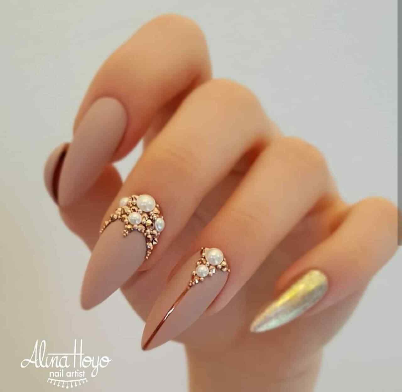 decorados de uñas con piedras