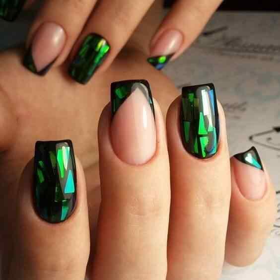 decoracion de uñas verdes brillos