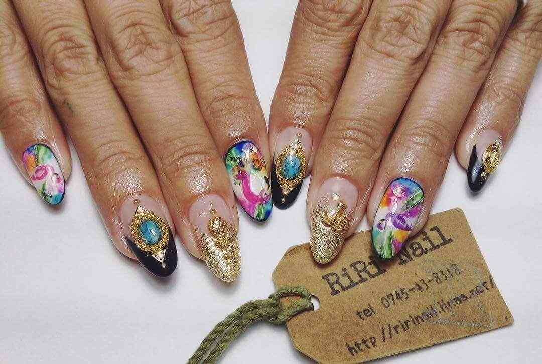 diseño de uñas con pegatinas