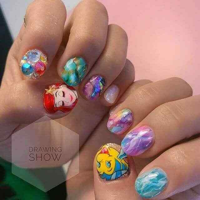 uñas con piedras para niñas